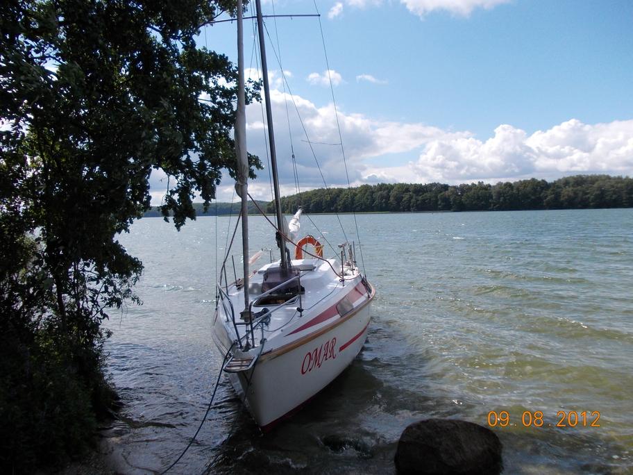 OMAR przycumowany przy wyspie Bielawa - Jezioro Drawskie